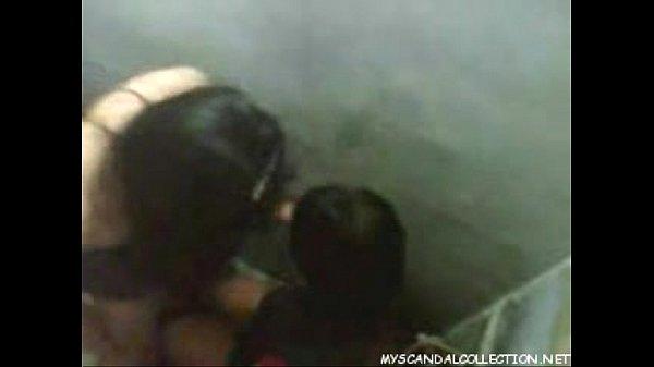 คลิบแอบถ่าย คนเย็ดกันในห้องน้ำสาธารณะ แม่งใส่กันมันควยเลย
