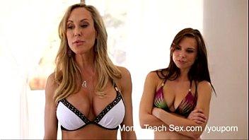 YouPornแม่สอนเย็ดชื่อเรื่อง mom18 teach sex แปลว่า คุณแม่สอนลูกเย็ดหี
