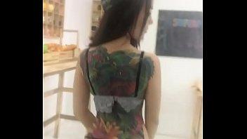 thaiเน็ตไอดอล สาวสวย น้องนาตาลี โชว์แผ่นหลังด้วยรอยสักทิ้งท้ายด้วยแก้มก้นที่ขาวเนียนแบบจั๊วะ