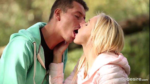 หนังxออนไลน์ TEEN18+ วัยรุ่นชอบเสี่ยงขอเอาสดกับแฟนสาวกลางแจ้ง แหย่นิ้วล้วงหีจนเปียกแฉะได้ที่ก็จับเย็ดแม่ง