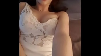 หลุดสาวเว็บแคมเกาหลี หน้าตาน่ารักนมสวยยังงี้ไม่มีผัว มานอนโชว์เสียวยั่วควยอยู่หน้ากล้องได้ยังไง