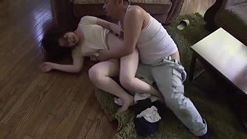 Hot คลิปญี่ปุ่นข่มขืนเมียเพื่อนอย่างหนัก เย็ดให้ร้องลั่นปล่อยน้ำว่าวเข้าไปในร่องเสียว