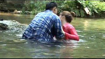 ThaiXXX หนังโป๊ออกมากระแทกกันนอกบ้านในน้ำตกมันเงี่ยนหีจริงๆ เย็ดมันส์ๆจากบ้านเรา