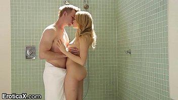 ตามมาเย็ดถึงในห้องน้ำ! เด็กผมทองโดนจับเค้นนมเล้าโลมสุดท้ายก็โดนเย็ดสดครางเสียงก้อง pornxxx