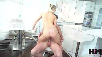 หนังโป๊ขย่มควยกระจาย แม่บ้านสาวนักส่ายหีเรื่องปี้กันขอให้บอกเย็ดเก่งแน่นอนติดใจเบิ้ลน้ำสองได้ porn