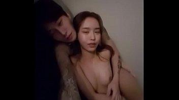 Korean BJ คลิปโป๊หลุดเกาหลีหน้าตาดี เล่นลิ้นแลกกันดูดนมลวนลามจนเย็ดออกอากาศไลฟ์สดไปเลย
