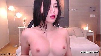 คลิปโป๊BJสาวเกาหลี หน้าตาโคตรยั่วควยแถมหุ่นยังน่าเย็ดอีก บอกเลยว่าแซ่บถึงใจถ้าได้ลอง ทำมาเป็นเขี่ยหีโชว์จนคนดูเงี่ยนตาม