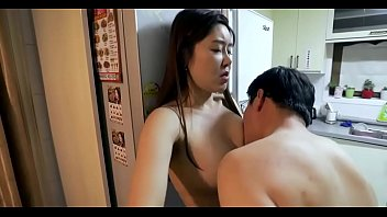 หนังโป๊2018 เกาหลีเย็ดเมียเพื่อน จับกดพิงกำแพงดูดหัวนมแรงๆ บิ๊วให้เงี่ยนกับเสียวหีไปพร้อมกัน โดนแบบนี้สมยอมให้เย็ดแต่โดยดี