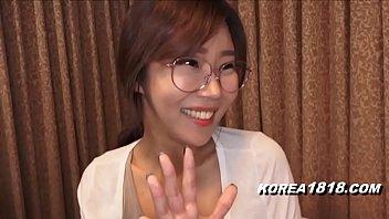 Korean Porn ดูหนังโป๊แจกฟรี สาวแว่นเกาหีโดนซั่มอย่างเด็ด ซอยเข้าออกร้องทุกตอน ลีลาหมอนวดหีญี่ปุ่นเย็ดเก่งไม่ธรรมดา