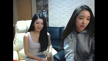 หลุดของลับเน็ตไอดอล korean bj camfrog เด็กมหาลัยเกาหลีโชว์นมแอ่นหีหน้ากล้อง เรียกเรตติ้งจากแอพเต้นยั่วโชว์ เปิดอกเห็นหัวนมสวยๆ แถมเกี่ยวเบ็ดช่วยตัวเอง