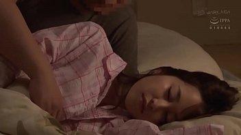 ดูหนังโป๊ญี่ปุ่น hot jav นางเอกหลับต่อไม่ไหว เจอลีลาล้วงรูหีแบบรัวนิ้วน้ำเงี่ยนฉ่ำเต็มมือ เงี่ยนอดไม่ไหวอมควยแล้วเย็ดต่อ