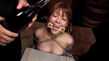 ดูหนังAVแนวซาดิสต์ ผู้หญิงเซ็กจัดโดนข่มขืนใจ จับเขี่ยหีให้เงี่ยนเล่นๆ ทารุณกรรมทุกอย่าง เสียวหีอยากโดนเย็ดมันไม่เอาสักที