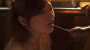 ดูหนังAVโป๊ญี่ปุ่น Iroha Natsume สาวใจสู้ดูดควยใหญ่เล้าโลม อมไปมิดปากพร้อมจะเย็ดหีต่อ แหกให้เย็ดมิดด้ามโดนควยกระแทก น้ำแตกอาบง่ามหี