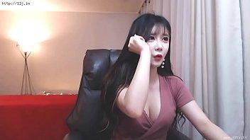 Webcam XXX คลิปโป๊แคมฟรอก สาวเกาหลีนมใหญ่ร่องนมสวยกริ้บ นมสวยมากเนียนสุดยอด หุ่นเด็ดมากน่าไซร้นมแล้วเย็ดหีสักที