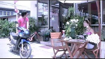 """หนังโป๊ไทยปี2011 เรื่อง """"Service Love"""" บริการเสียวด้วยความรัก สาวสวยถ่างขาให้หนุ่มซอยหี เชิญกระแทกเด้ากันจนน้ำแตกได้เลย"""