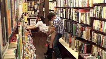 หนังโป๊AVญี่ปุ่น แอบเย็ดสาวสวยในห้องสมุด เสียงดังไม่ได้ต้องแอบเย็ดเงียบๆ จับยืนซอยหีเย็ดจนตัวโก่ง ร้องครางเสียวได้จัดจ้านเลยค่ะ