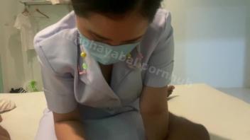 ดูโป๊ลับ xxxder ฉลองหายป่วยด้วยการเย็ดหีพยาบาล ใช้ปากอมควยต่อด้วยเย็ดจัดไป1ดอก ซั่มหีสดปล่อยน้ำแตกคารูเสียว